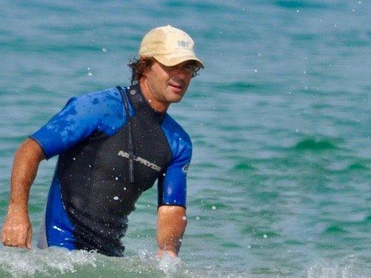 Miguel in den Wellen