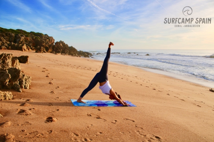 Yoga-Kurs-Conil-Surfen