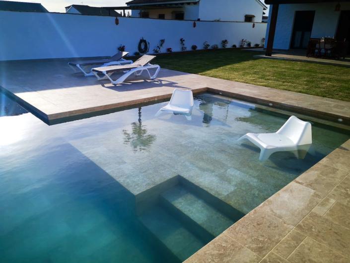 surfcamp-spain-häuser-andalusien-pool